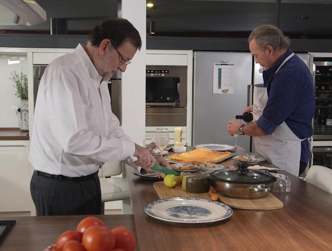 Rajoy cocina en casa de Bertín Osborne.