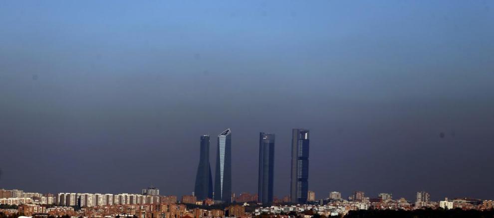 El Ayuntamiento de Madrid no activa de momento la prohibición de aparcar en  el centro por la contaminación 355a0f319e7