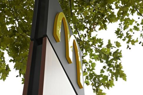 Letrero de una sucursal de McDonald's