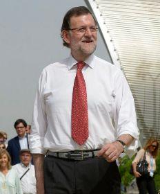 Mariano Rajoy, con camisa blanca y corbata estampada