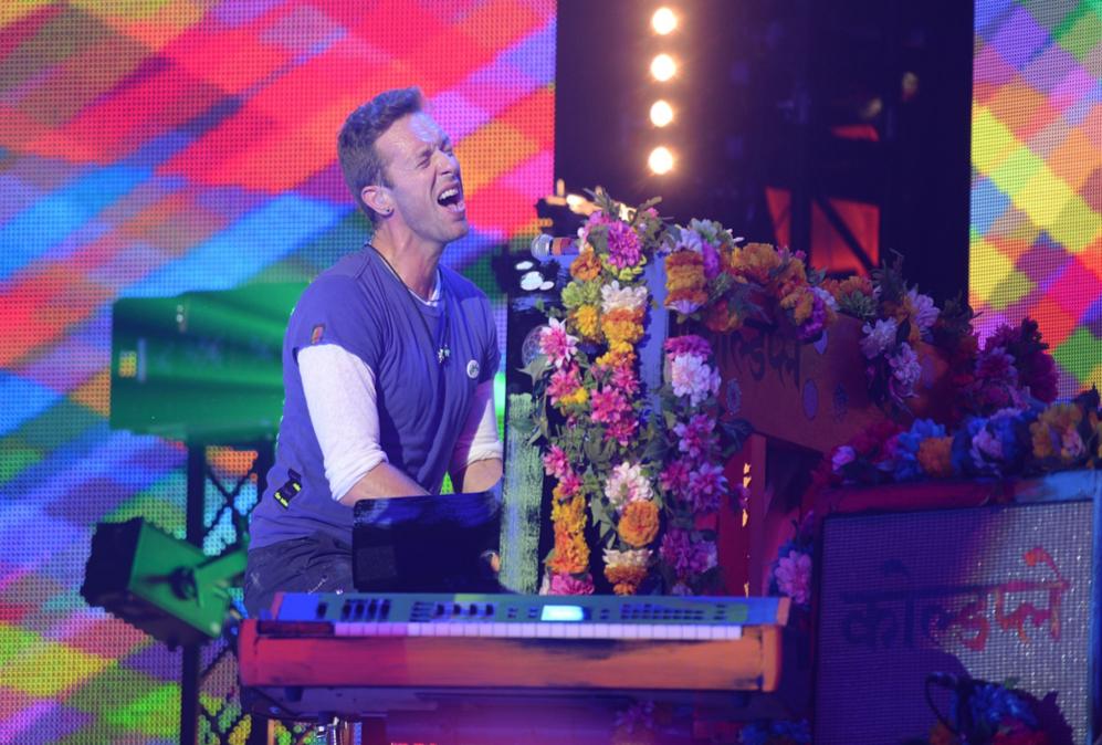 Chris Martin deleitó a los presentes con su inigualable estilo al...