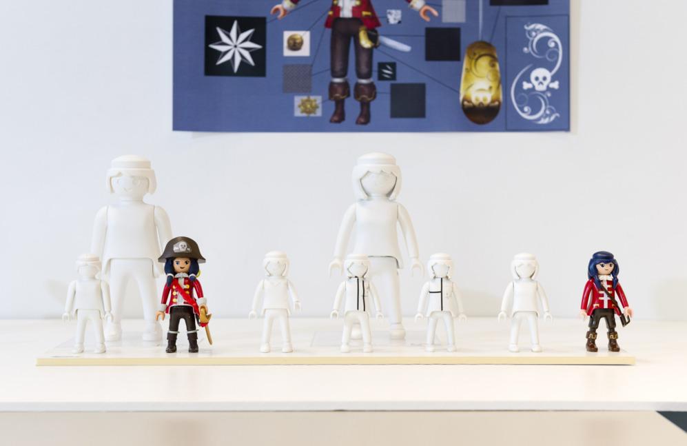 Más detalles del diseño de las figuras de Super 4, licencia...