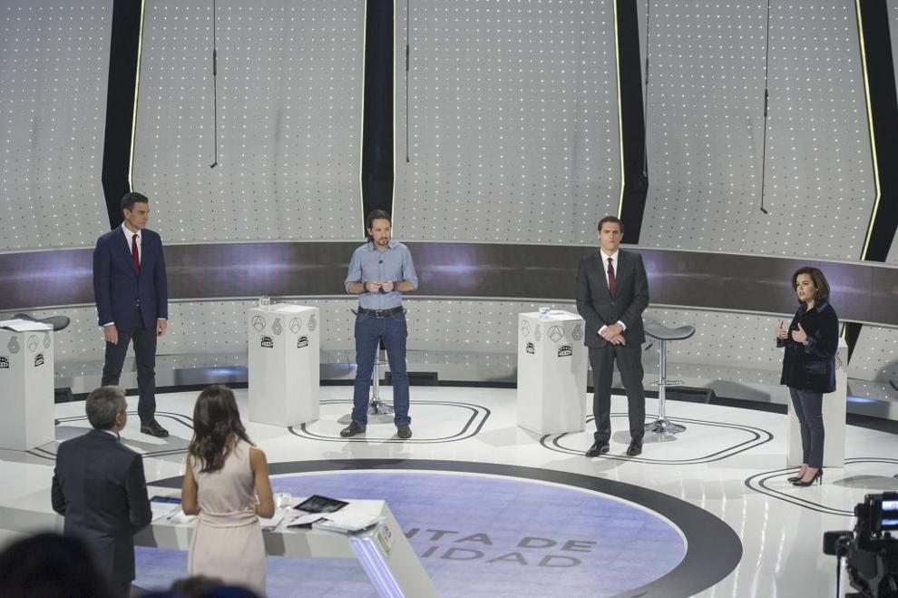 Pedro Sánchez, Pablo Iglesias, Pedro Sánchez y Soraya Sáenz de...