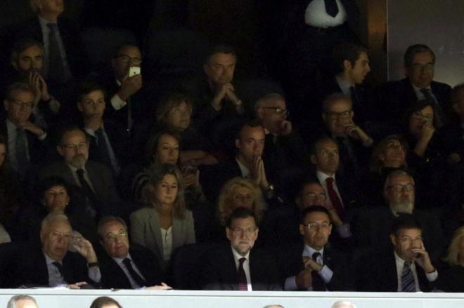 Florentino Pérez y Mariano Rajoy, juntos en el palco del Santiago...