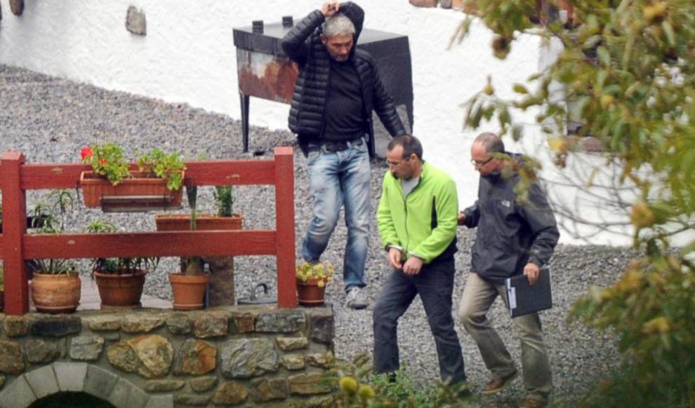 David Pla (centro), tras su detención el pasado 22 de septiembre en...