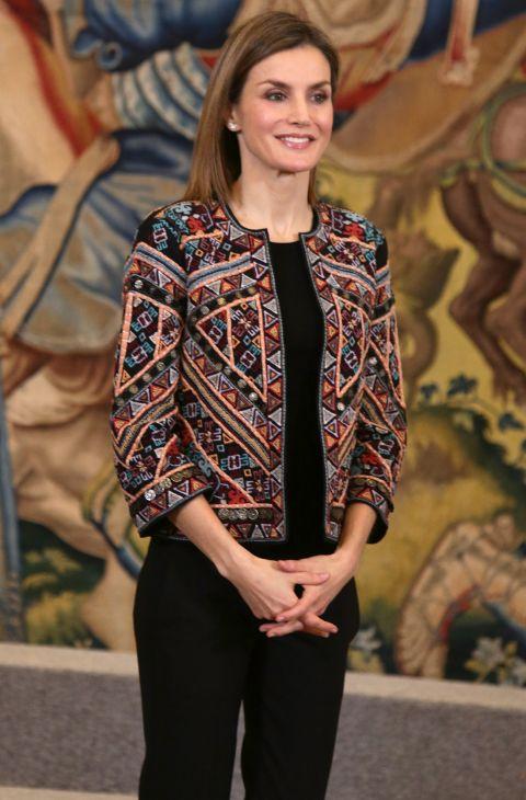Letizia y las chaquetas étnicas de Zara en las que invertir 79 euros ... 58fd757fc878