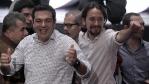 Alexis Tsipras y Pablo Iglesias en la clausura de la asamblea...