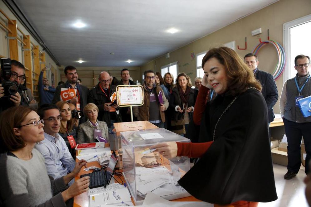 La vicepresidenta del Gobierno, Soraya Saenz de Santamaría, ha votado...