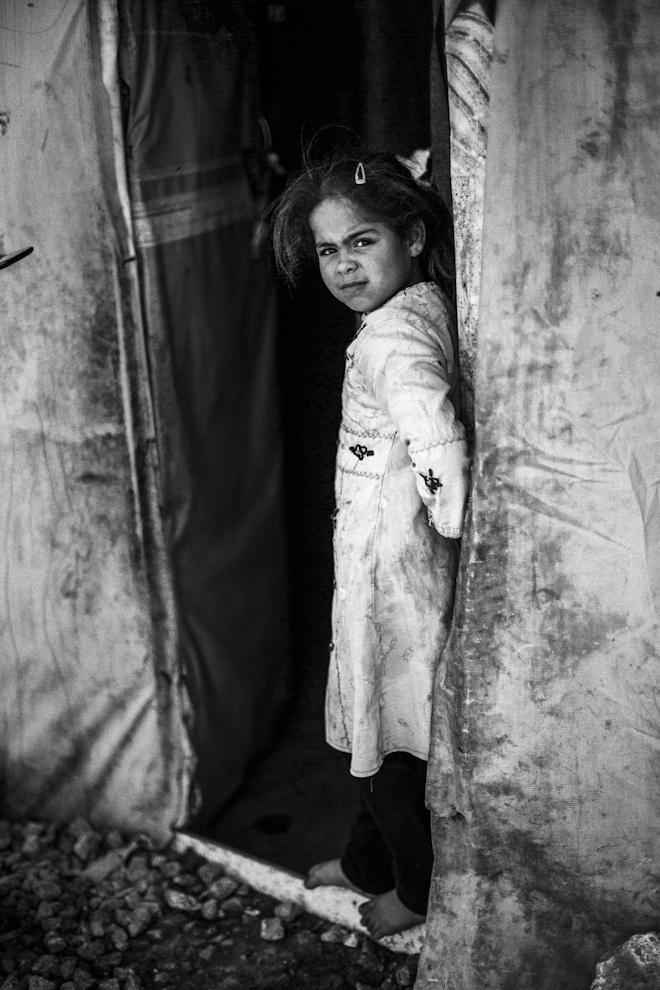 Una niña refugiada en el asentamiento de Saideh, Shausa Al Hassar,...