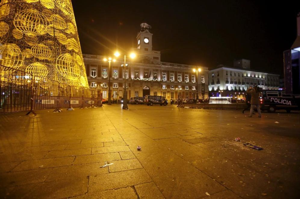 La Puerta del Sol desalojada a las 21.00 horas.