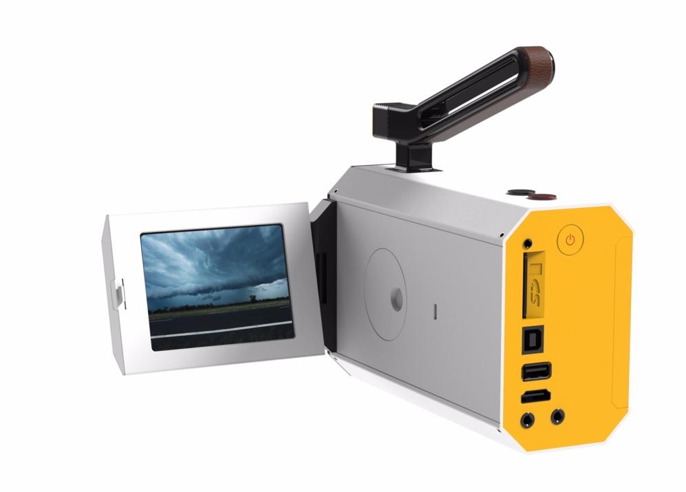 <STRONG>KODAK SUPER 8.</STRONG> No sólo está de moda el vinilo. También vuelve la película Super 8. La última apuesta de Kodak es una videocámara analógica con visor digital y un curioso sistema de grabación de audio es tarjetas SD que permite sincronizarlo con la película.