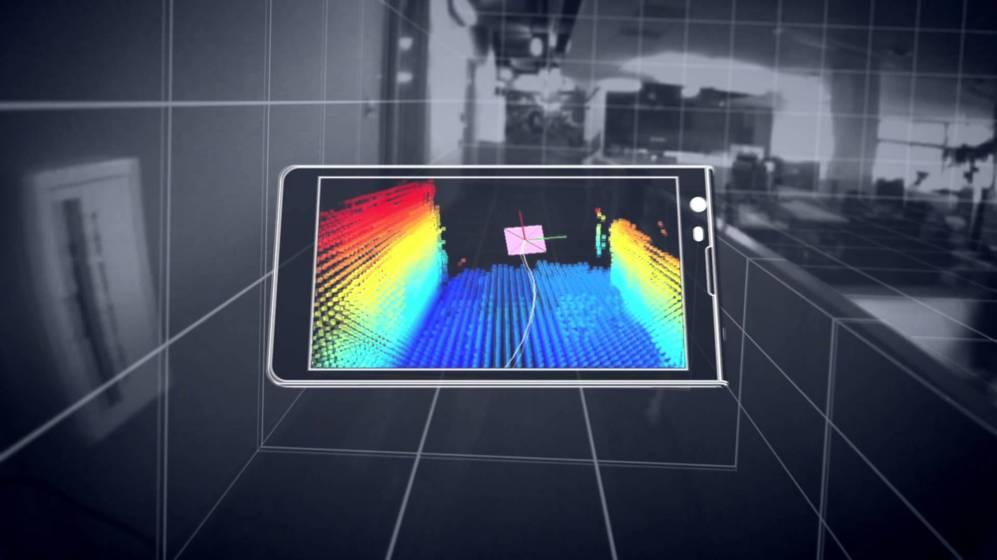 """<STRONG>LENOVO PROJECT TANGO.</STRONG> Fruto de la colaboración entre Lenovo y Google, este será el primer teléfono móvil capaz de """"ver"""" la profundidad de los objetos, permitiendo crear modelos tridimensionales de lo que se fotografíe o tomar las medidas de una habitación."""