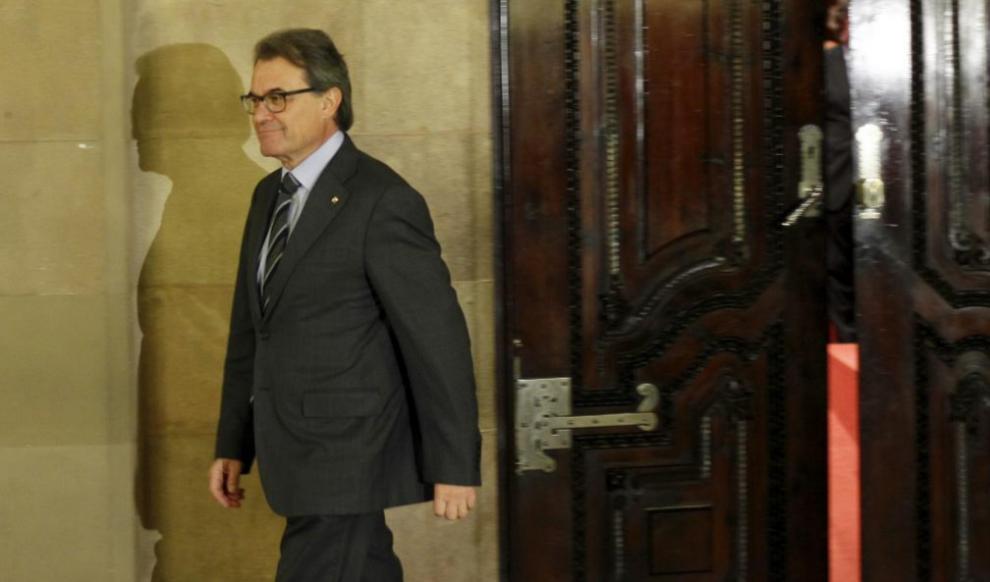 Artur Mas, en un pleno del Parlament para designar a ocho senadores...