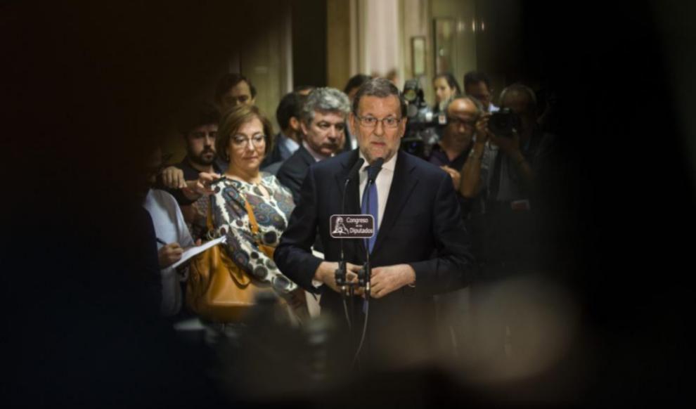 Mariano Rajoy, en el Congreso de los Diputados tras recoger su...