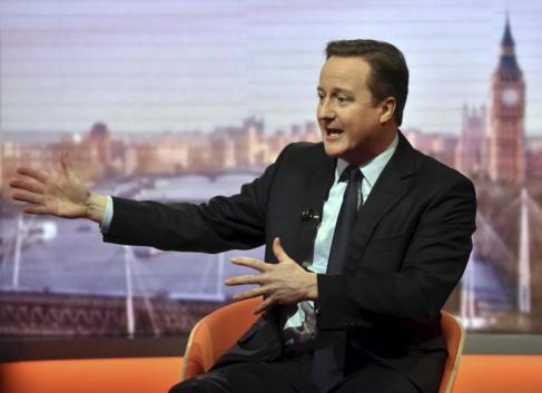 El primer ministro británico, David Cameron, durante una entrevista...