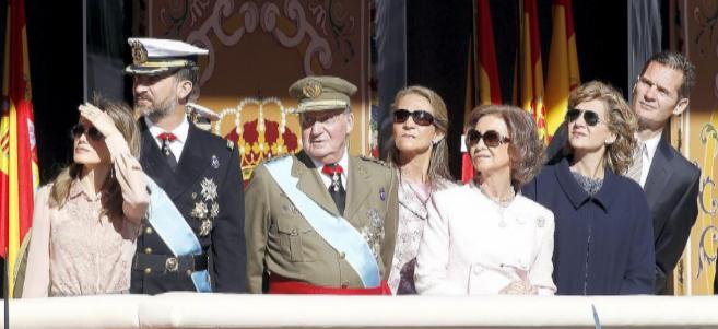 Los entonces Príncipes, los Reyes, las Infantas Elena y Cristina y...