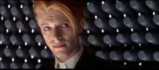 David Bowie en la película 'El hombre que cayó a la...