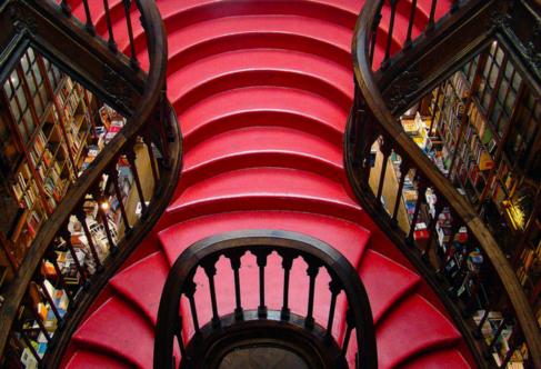 Escalera de la librería Lello.