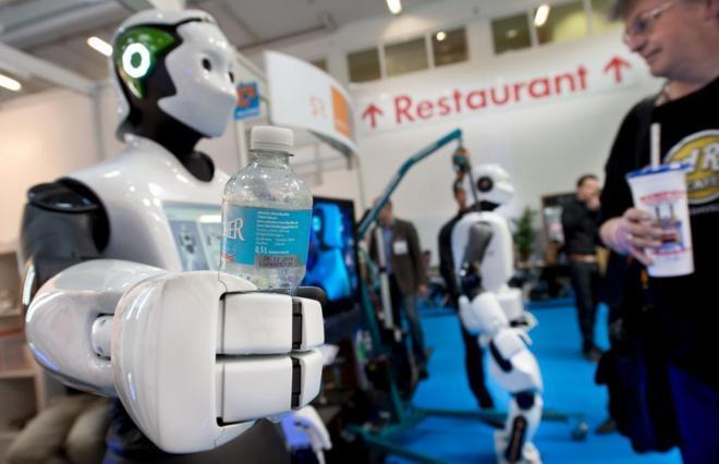 Robot de la empresa española PAL Robotics en una feria