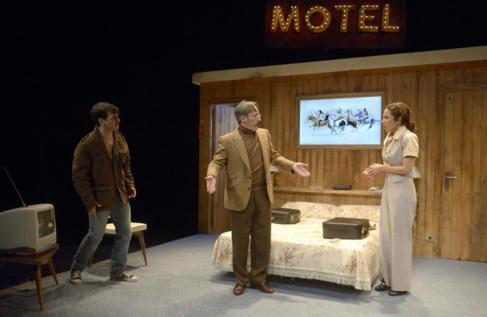 Fran Perea, Toni Acosta y Javi Coll, en una escena de 'La...
