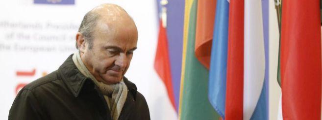 Luis de Guindos, ayer, en la llegada al Ecofin