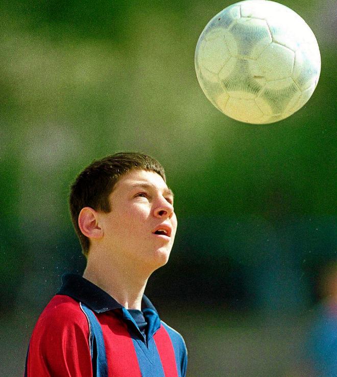 Niños futbolistas  la  culpa  es de Messi  ebfed83d864