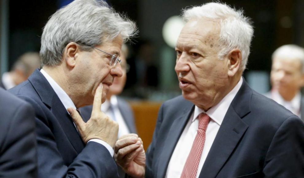 José Manuel García-Margallo conversa con su homólogo italiano,...