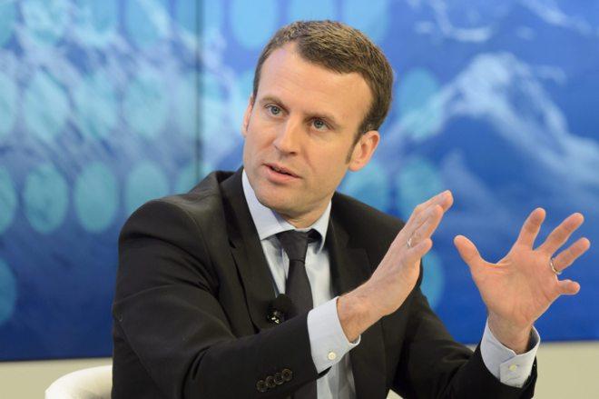 El ministro de Economía francés, Emmanuel Macron, participa en una...
