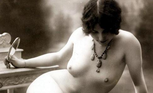Una postal erótica, editada hacia 1915.