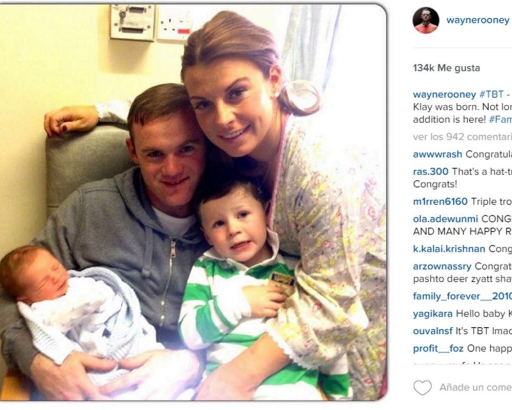 El futbolista inglés Wayne Rooney ha sido padre por tercera vez y...