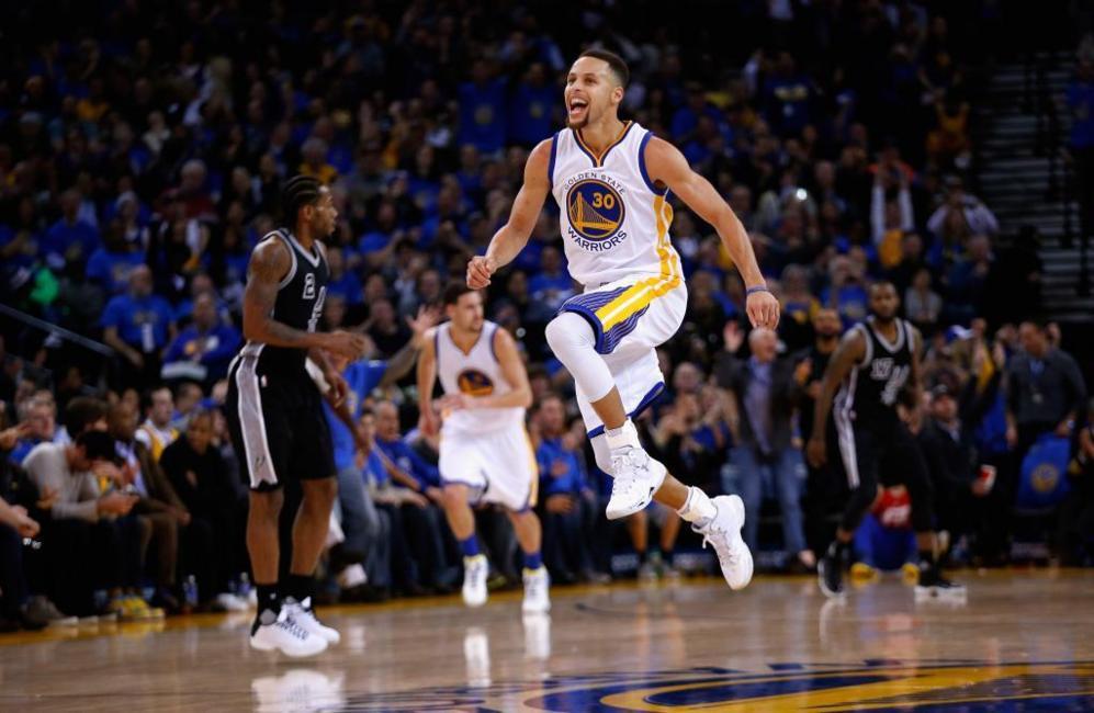 Curry fue clave en la victoria de los Warriors ante los Spurs. El...