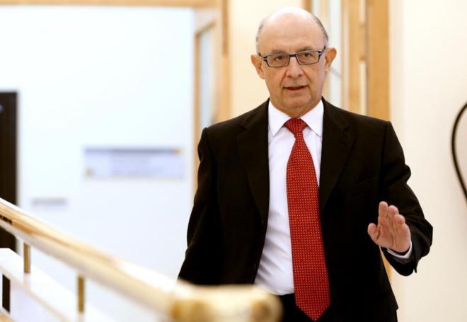 El ministro de Hacienda, Cristóbal Montoro, durante una rueda de...