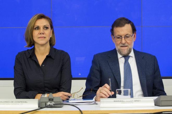 María Dolores de Cospedal y Mariano Rajoy, en la Junta directiva del...