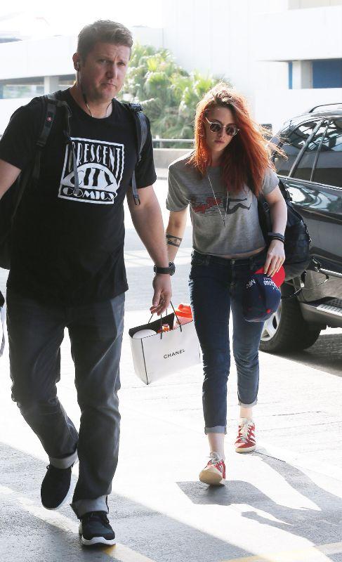Kristen Stewart no parece muy emocionada con su guardaespaldas, pero...