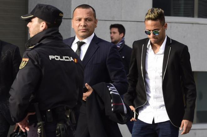 El padre de Neymar confirma que la oferta de 190 millones fue del United