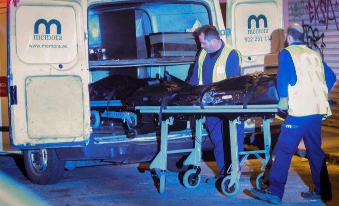 Traslado de los cadáveres del asesinato machista cometido el pasado...