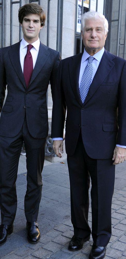 CARLOS FITZ-JAMES STUART (25) Y EL DUQUE DE ALBA (67).  El soltero de...