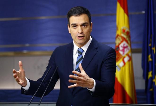 Pedro Sánchez responde a las preguntas de los periodistas esta tarde...