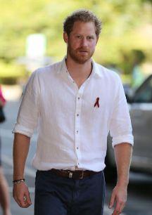 El príncipe Harry de Inglaterra no logra sentar la cabeza. Es uno de...