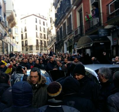 0a25abbbdd668  Escrache  de policías de Madrid al delegado de Seguridad de Carmena y al  jefe de la Policía Municipal