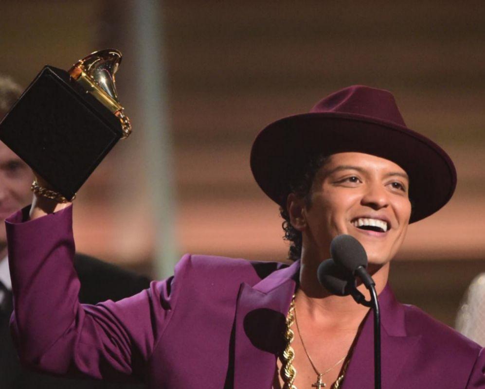 Bruno Mars. Las rachas de ira de Kanye West son tremendas. Al rapero...