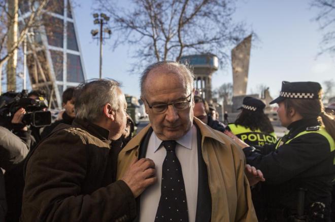 El ex vicepresidente del Gobierno Rodrigo Rato, el viernes, a su...
