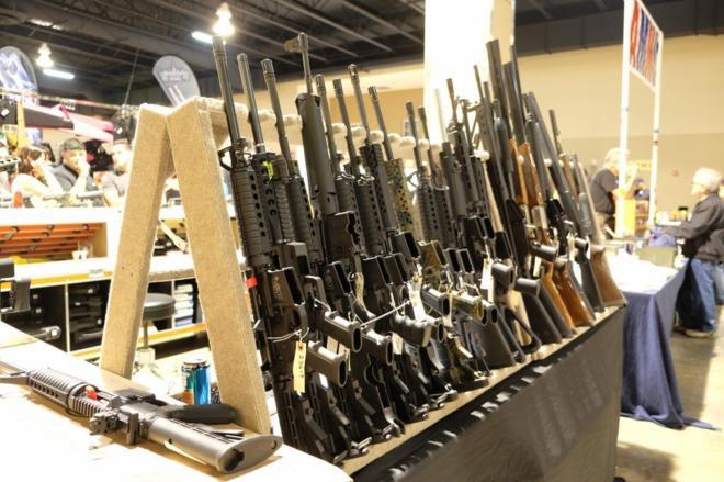 Feria de armas en Miami.