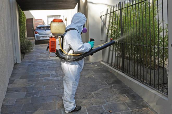 Fumigaciones en casas cercanas al primer caso de dengue autóctono en...