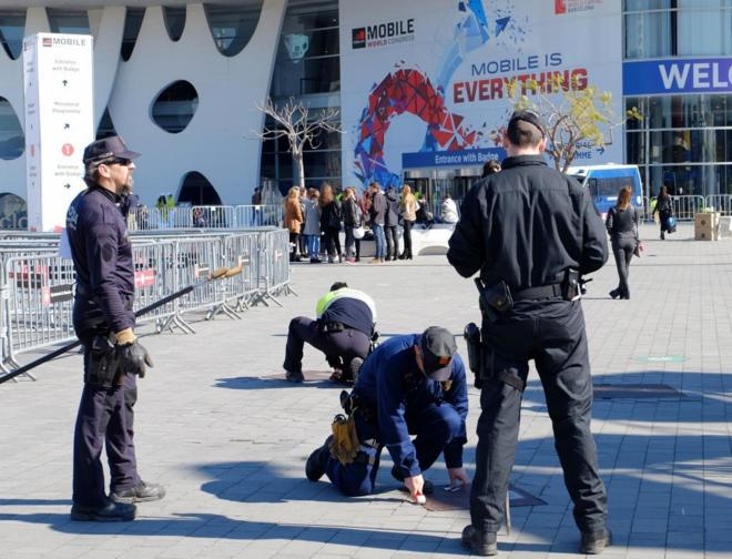 Mobile World Congress 2016 Policías Camuflados Contra Rateros