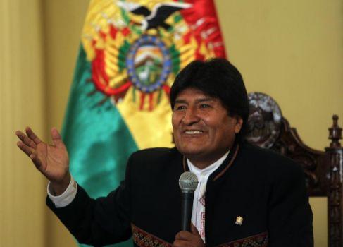 El presidente de Bolivia, Evo Morales, habla en una rueda de prensa,...