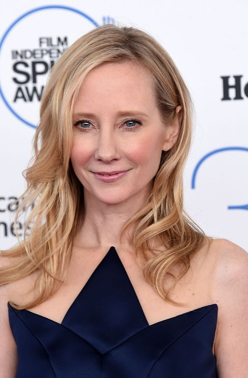 <strong>Anne Heche.</strong> Hasta que tuvo 12 años, la actriz Anne...