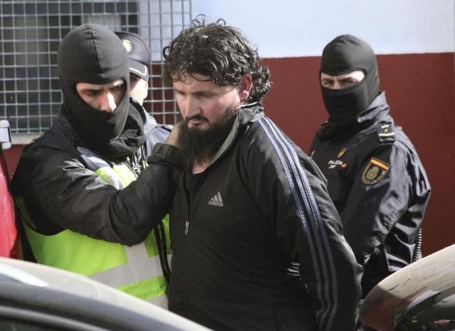 Hamed Abderrahaman Ahmed, el 'talibán español', cuando fue detenido...