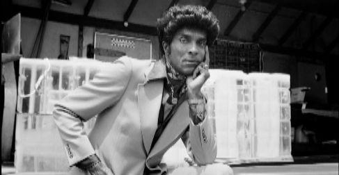Iceberg Slim (1918-1992), fotografiado en 1976 para su disco...