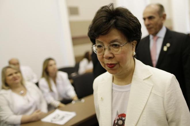 Margaret Chan, directora de la OMS, en un hospital de Brasil.